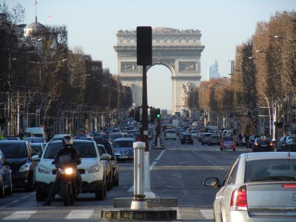 avenue des champs-élysées | arc de triomphe | photo courtesy of The Harrises of Chicago